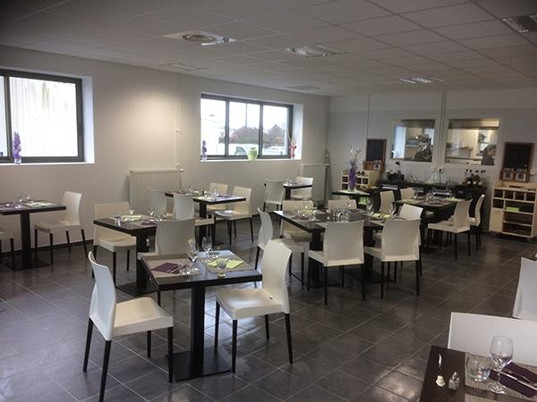 Restaurant au coeur du centre d'apprentissage réalisé par EGDC
