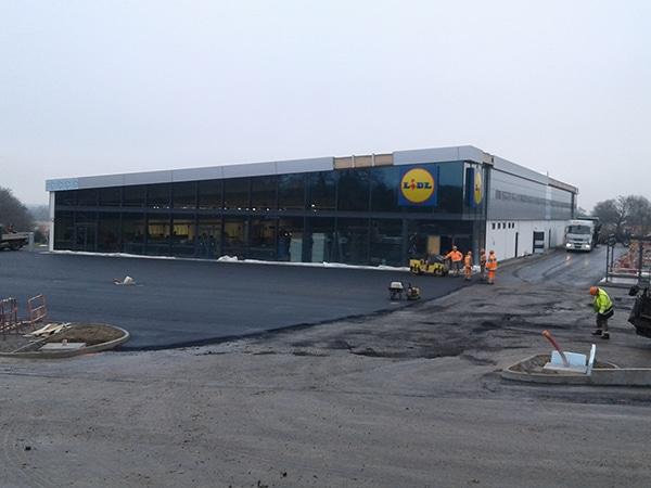 Vue d'ensemble de la construction de Lidl à Bressuire