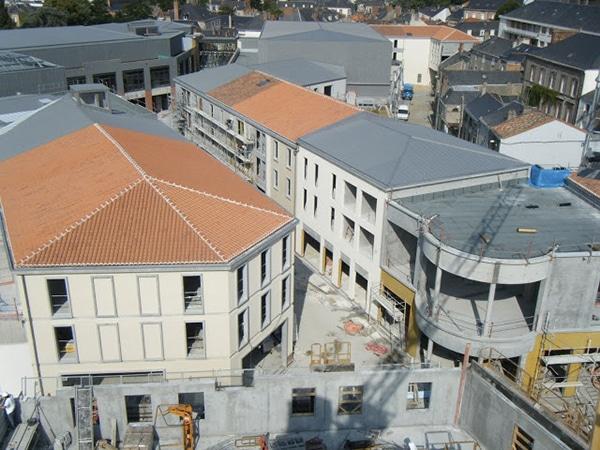 Vue aérienne de la zone des arcades rougés de Cholet